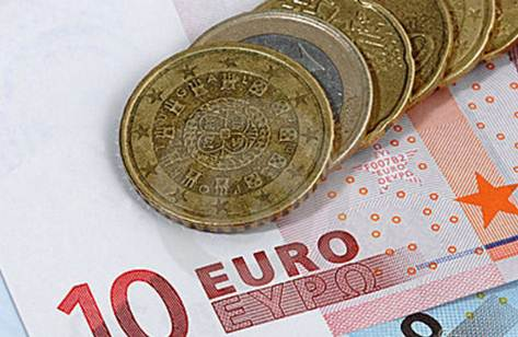 euro-currency-coins-bank-notes-7383692